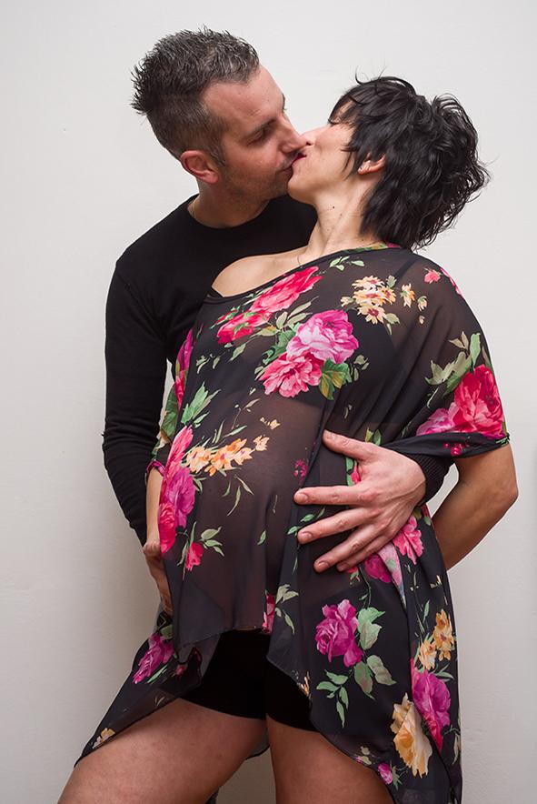 foto mamma in dolce attesa, fotografo per scatti incinta, fotografo maternità, foto maternità foto dolce attesa, fotografo campagnolo simone